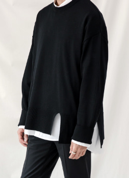 [Wool100%] Slit Oversized Crew Neck Sweater - Black